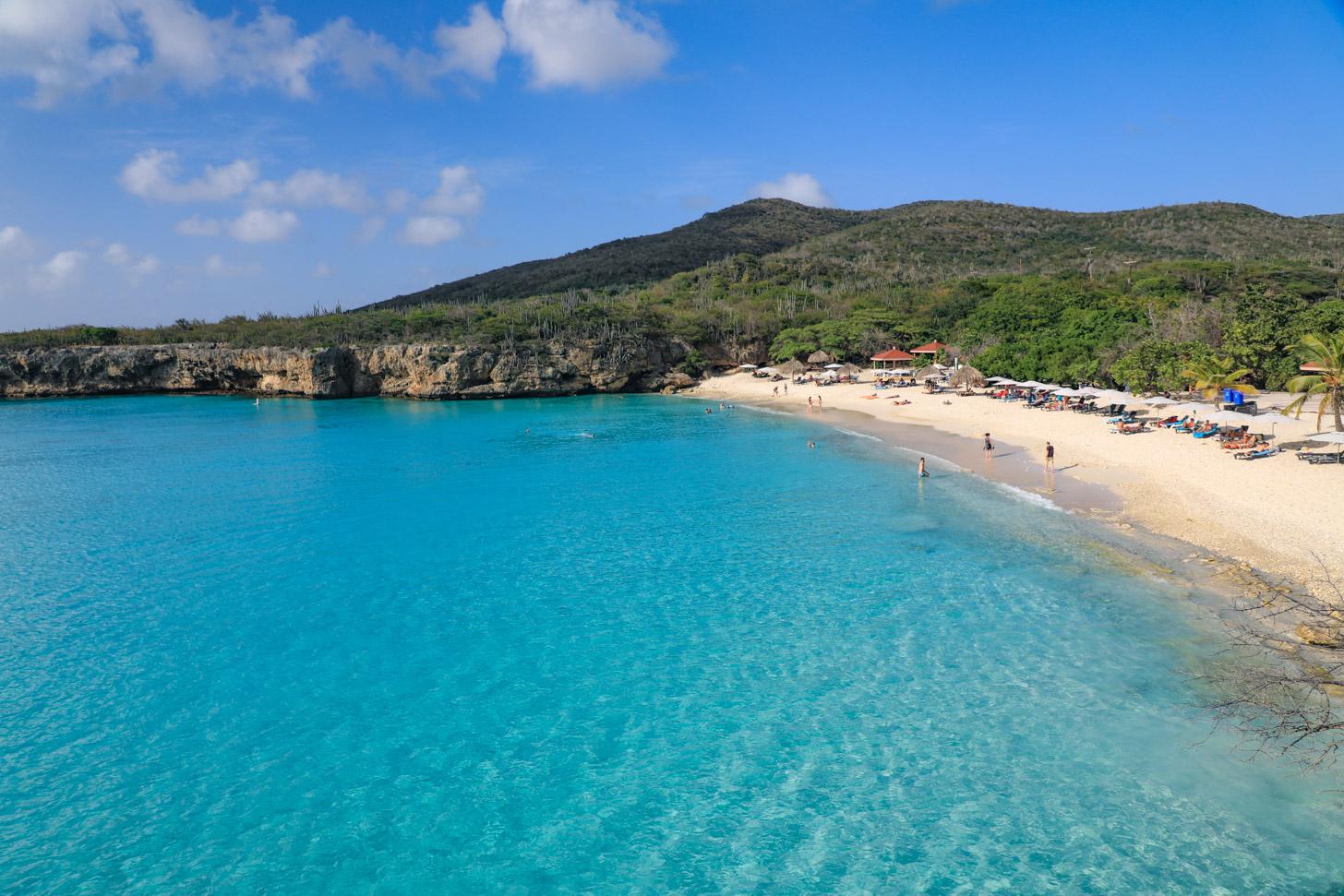 Grote Knip behoort tot de populairste stranden van Curacao.
